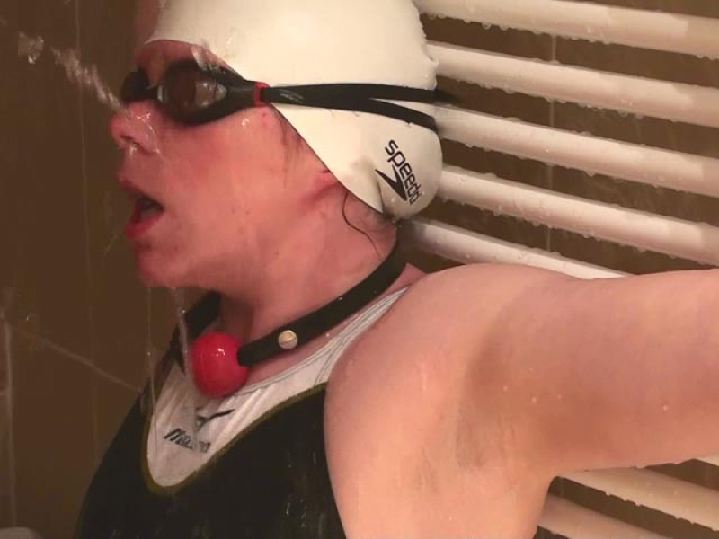 Extrem Deepthroating and Ball Gag in Mizuno Swimsuit