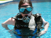 Diving with vib and high-cut wetsuit